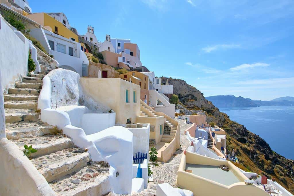 Santorini Transfers: Get from Santorini Athinios Port to your hotel